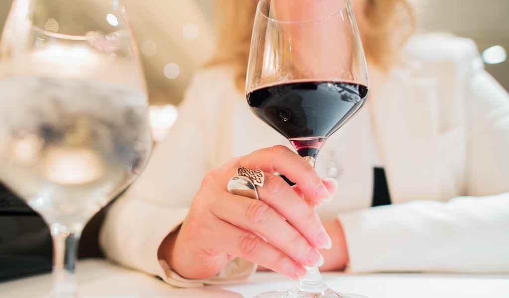 Лечение женского алкоголизма в Сходне анонимно